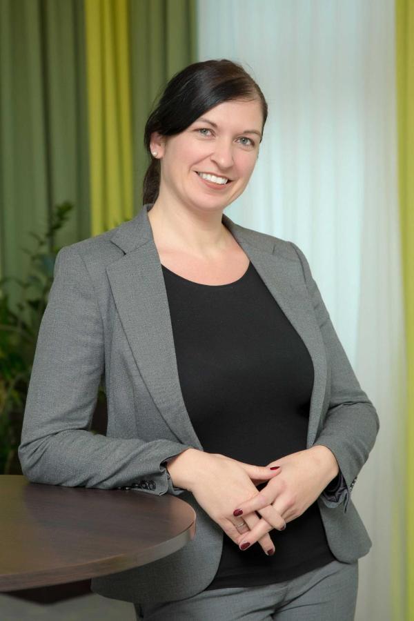 Mag. (FH) Michaela Mayr-Spießberger: Director of Marketing & Sales sales.mgr@rainers-hotel.eu.jpg