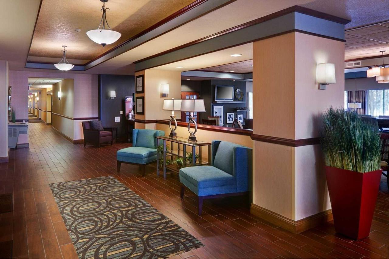 Hampton Inn Midland (6).jpg