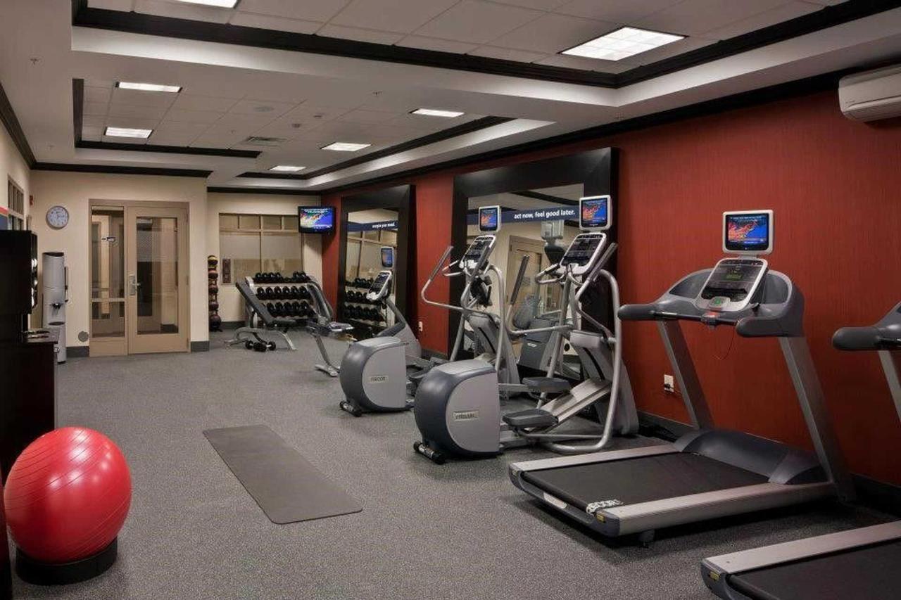 Hampton Inn & Suites Saginaw (2).jpg