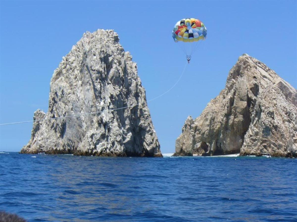 parasailing.jpg.1024x0.jpg
