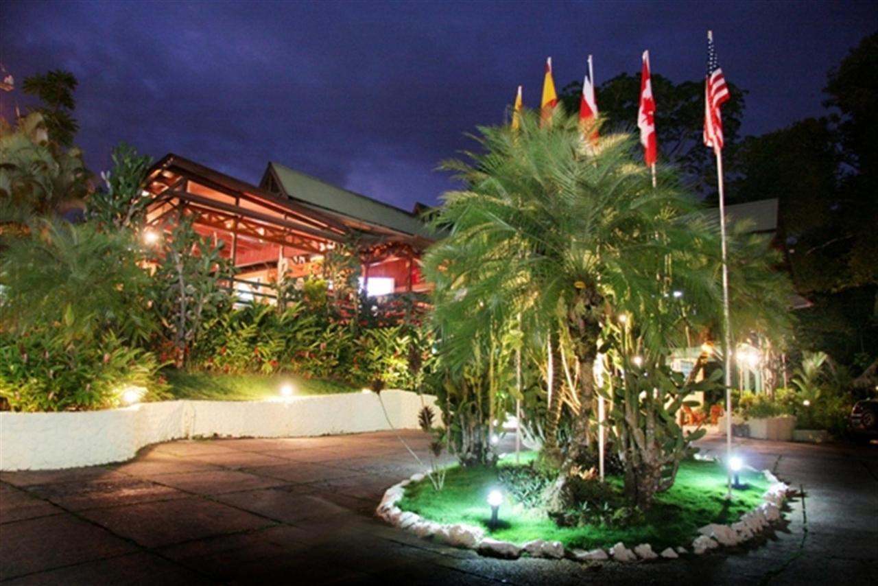 entrance-byblos-hotel-244k.jpg.1024x0.jpg