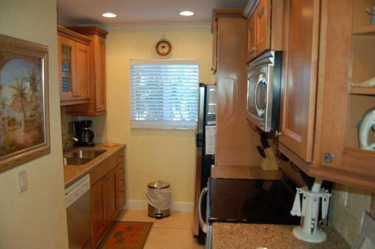 302_kitchen-2.jpeg.1920x0.jpeg