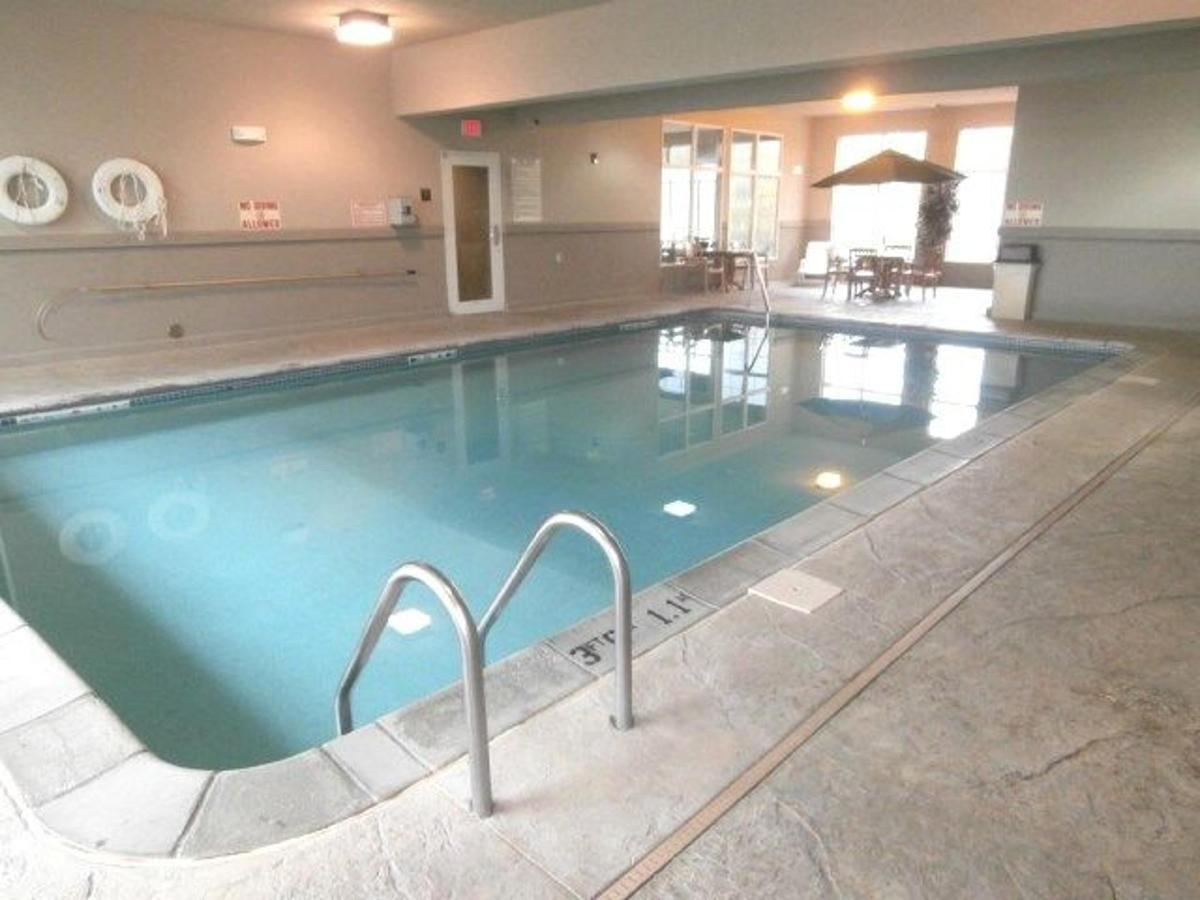 mo158-indoor-pool-7.JPG