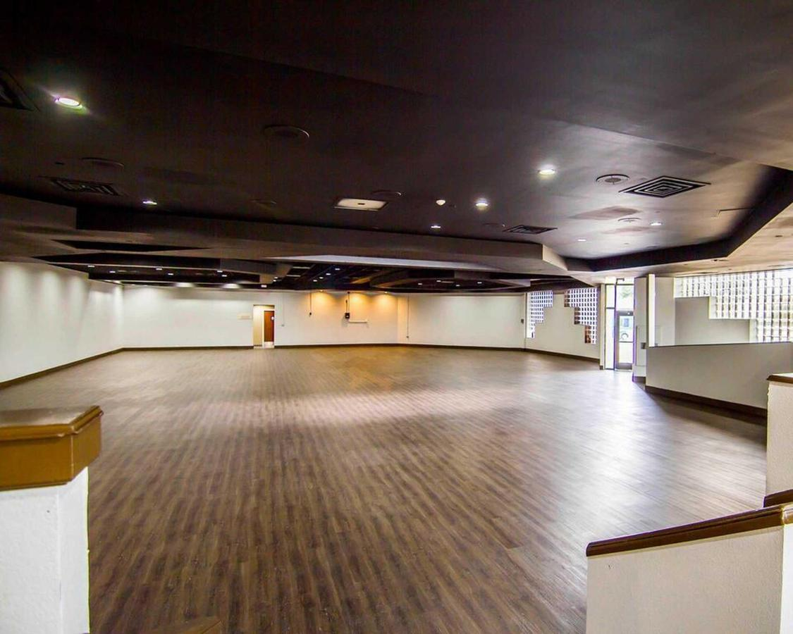 legacy-event-room-taken-by-choice-professional-front-1.jpg.1920x0.jpg