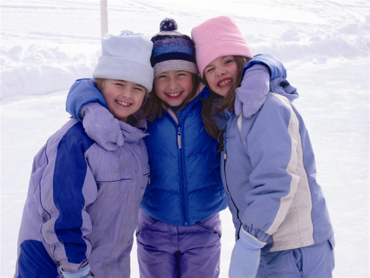 winter-girls.jpg.1920x0.jpg