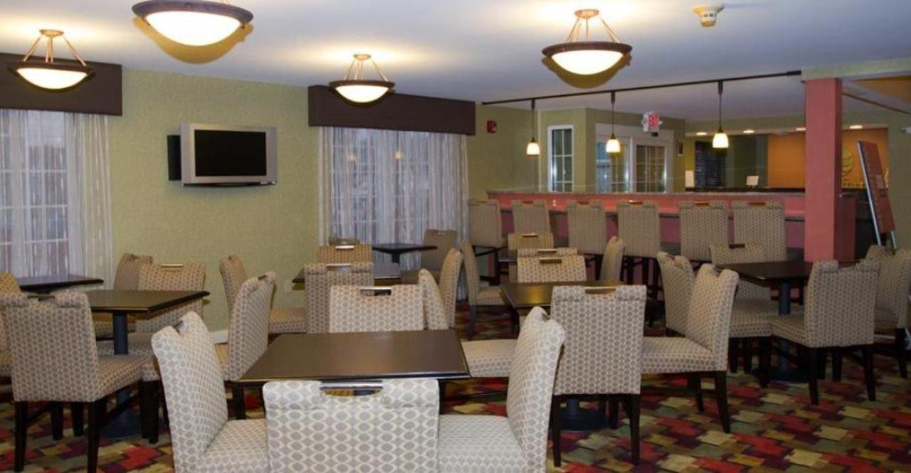 dining-area.jpg.1024x0.jpg