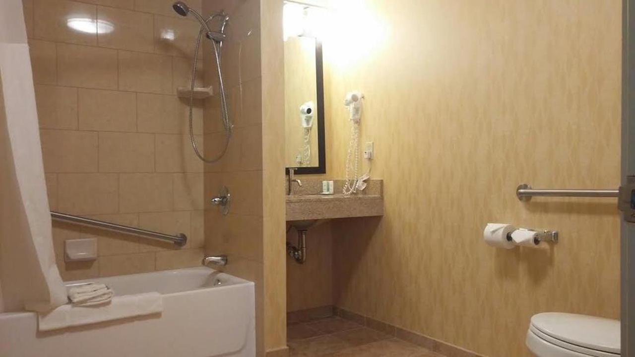 restroom.jpg.1024x0.jpg
