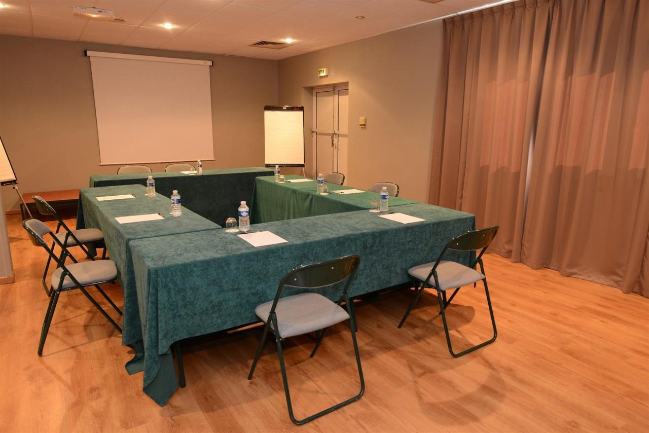 fr476-quality-hotel-du-golf-montpellier-juvignac-juvignac-seminars-room1.jpg
