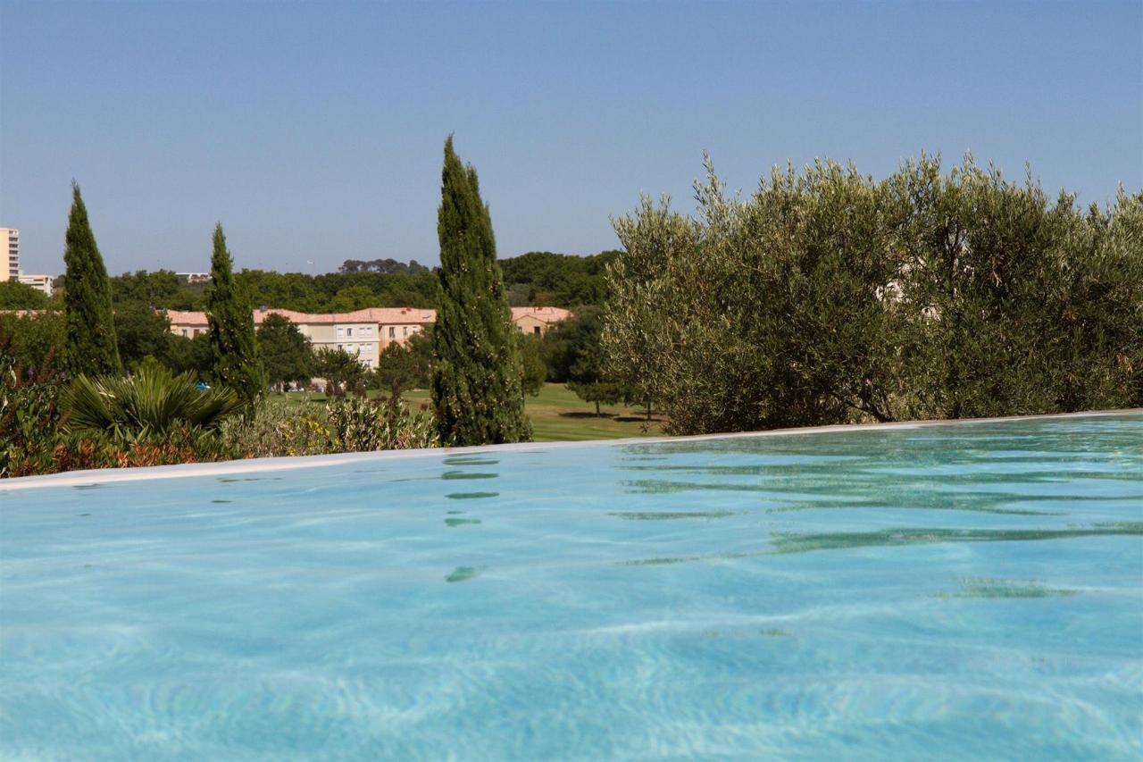 fr476-quality-hotel-du-golf-montpellier-juvignac-juvignac-swimming-pool5.jpg