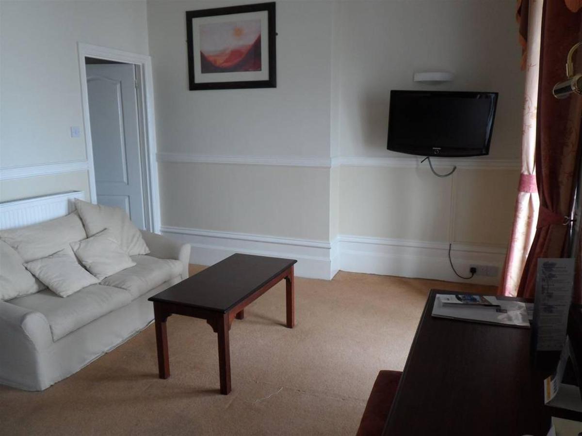 executive-room-205-2.JPG.1024x0 (1).JPG
