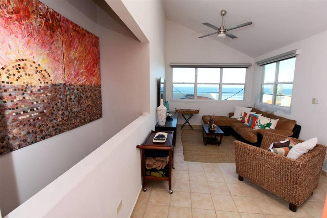 Captivating Penthouse with Ocean View_CVR3.JPG