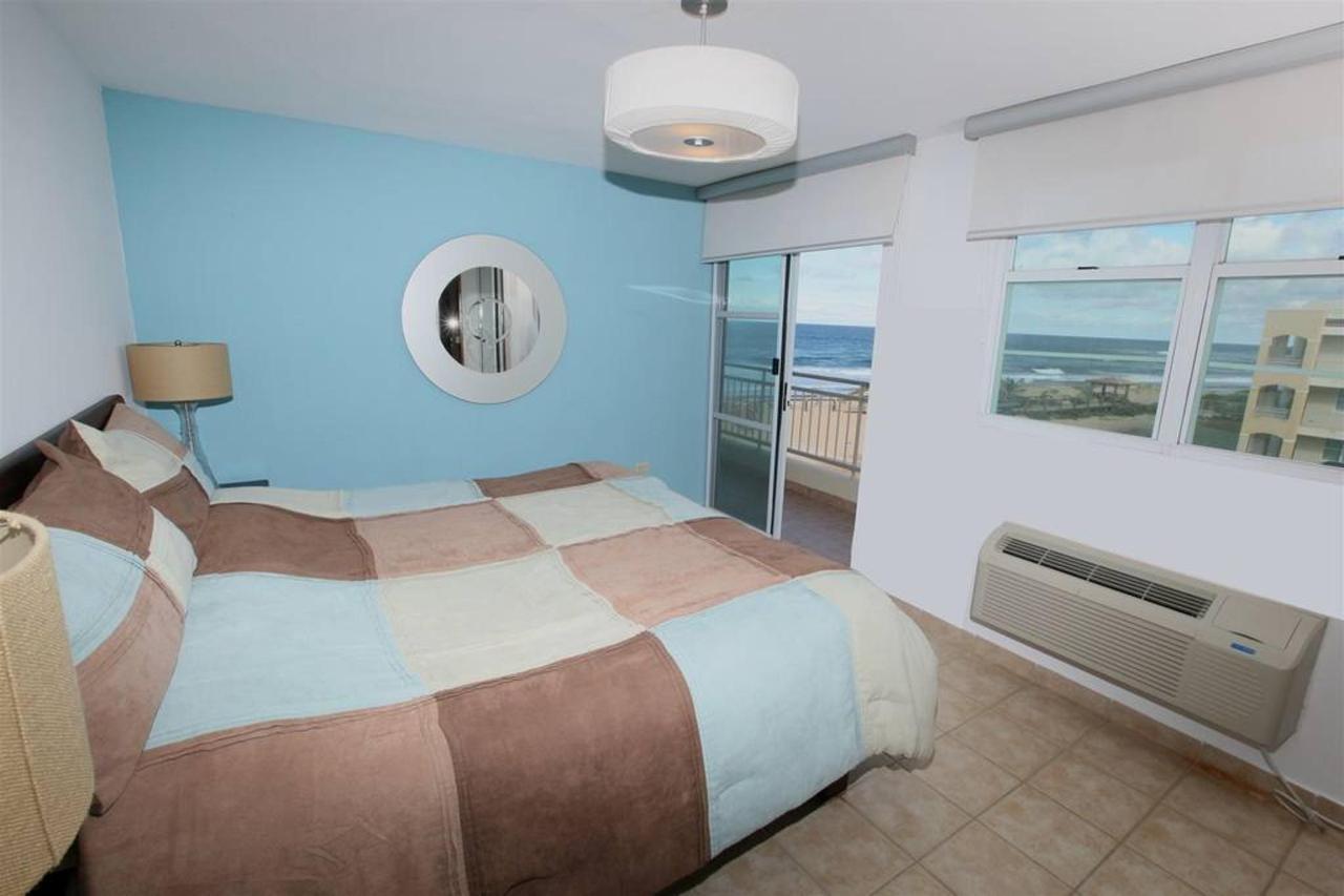 Captivating Penthouse with Ocean View_CVR25.JPG