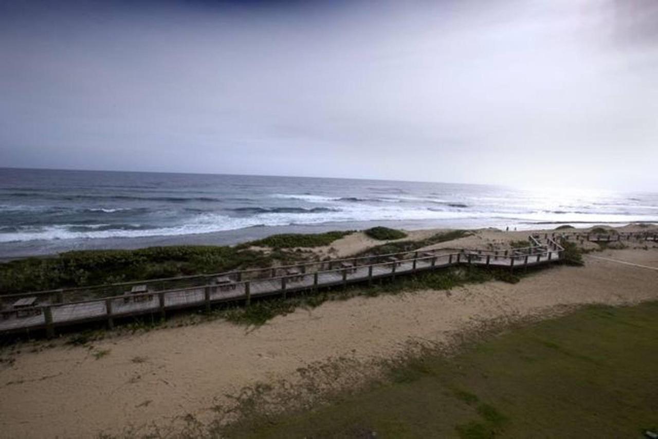 Peaceful Beachfront Penthouse_CVR37.jpg