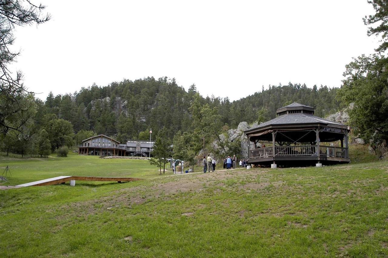 k-bar-s-lodge-gazebo-and-meadow.JPG.1920x0.JPG