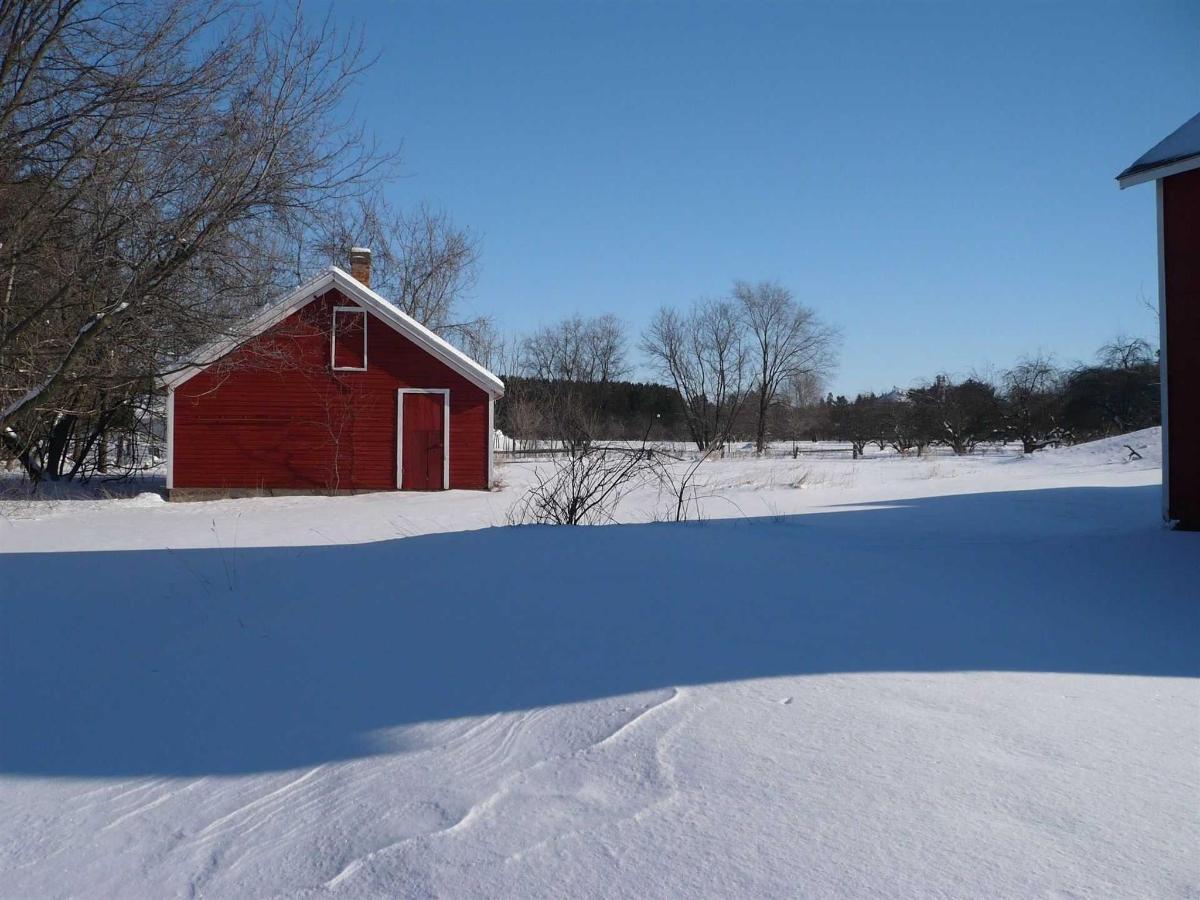 winterchkncoop.jpg.1920x0.jpg
