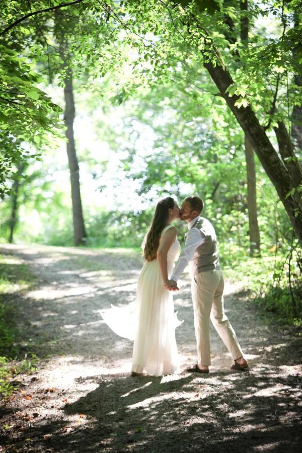 olivia-and-jason-s-wedding-day-olivia-and-jason-0189.jpg.1920x0.jpg