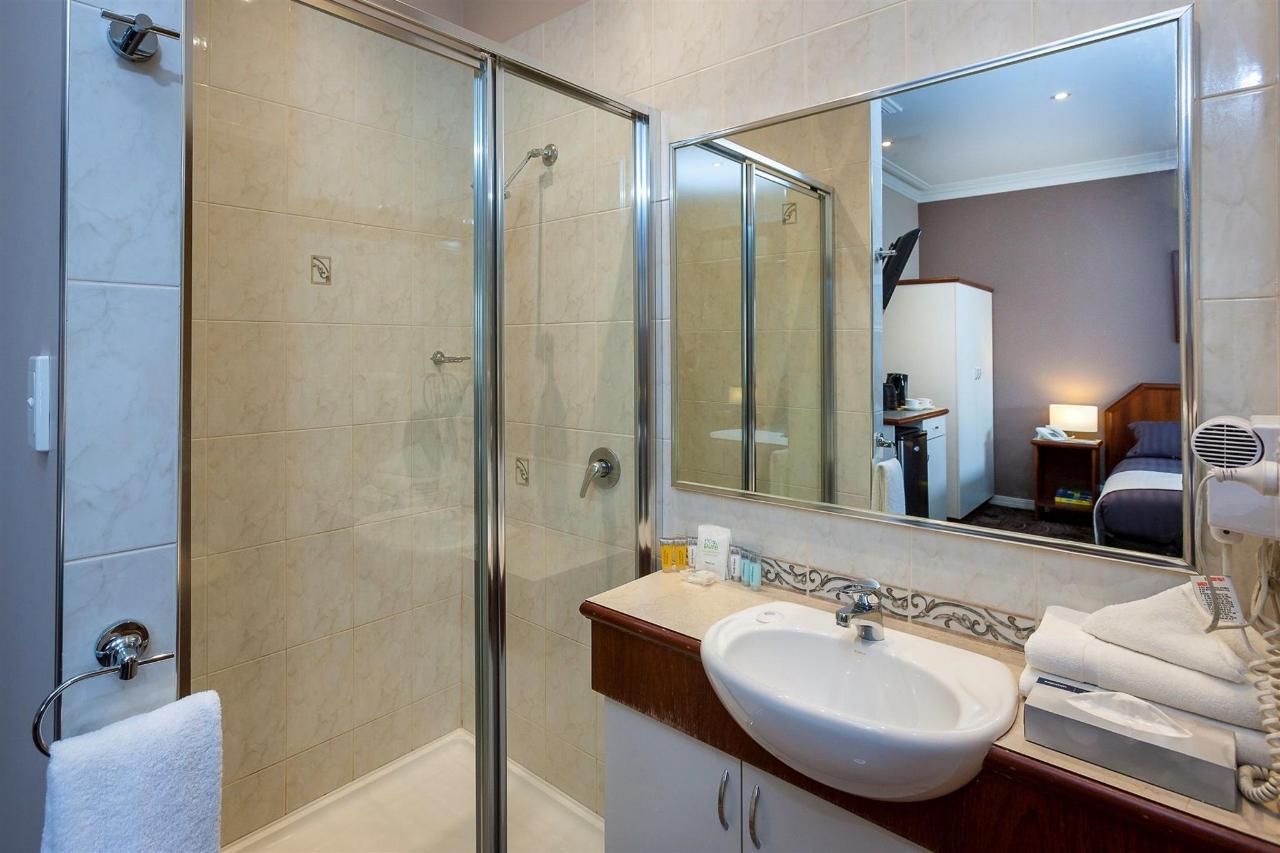 dlx-bath-1.jpg