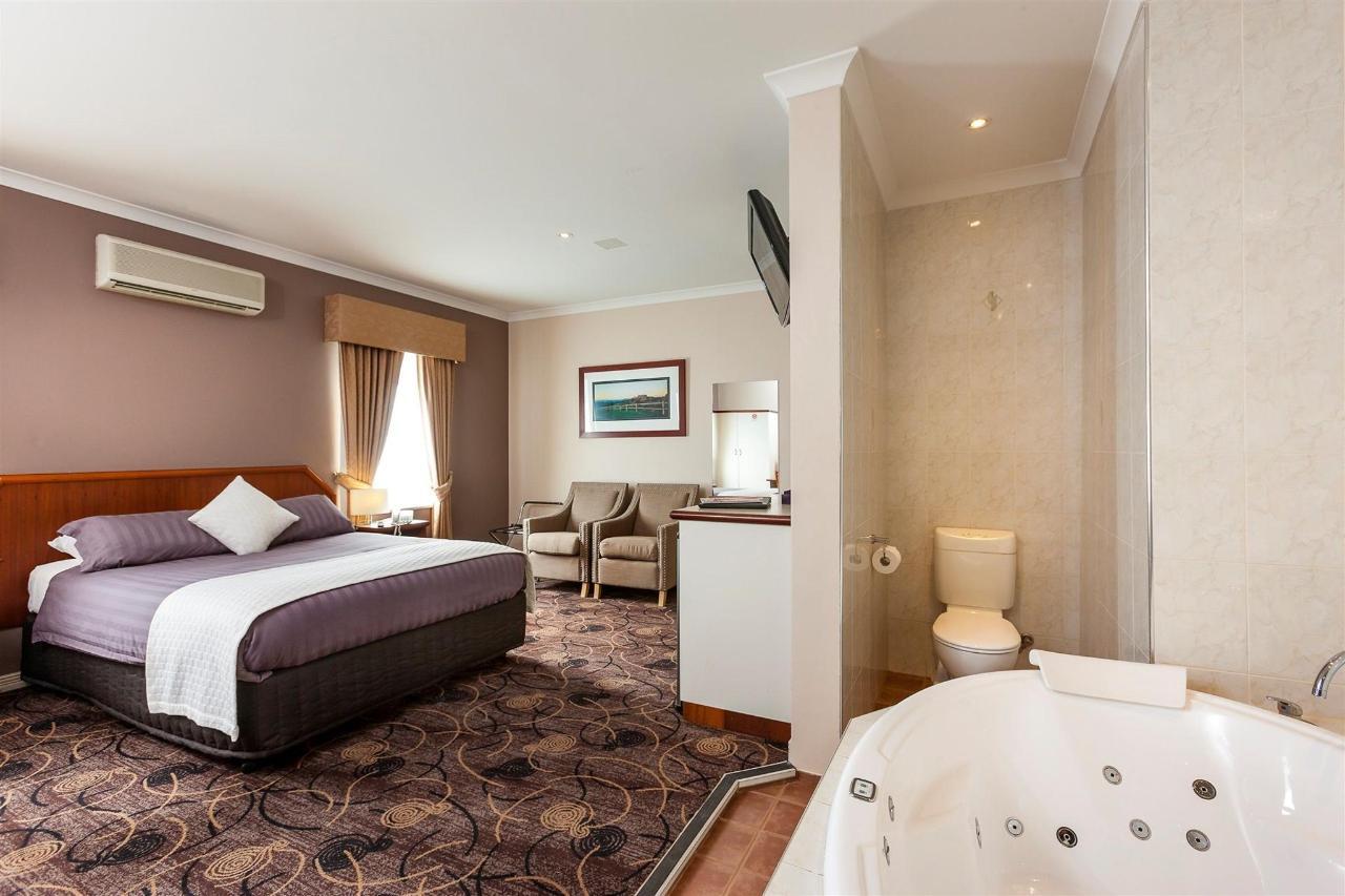 spa-room-1-again.jpg