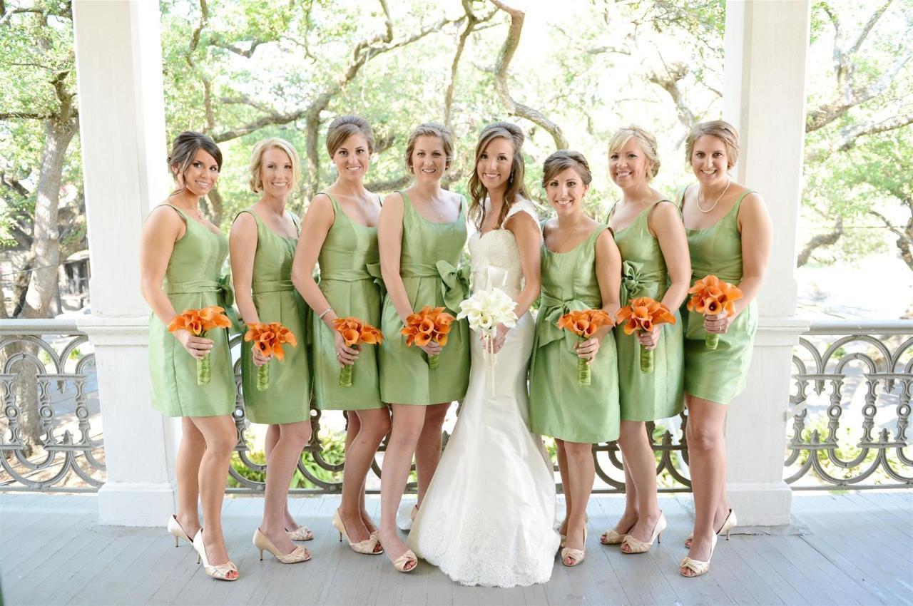 bridal-party-on-estelle-balcony-st.JPG