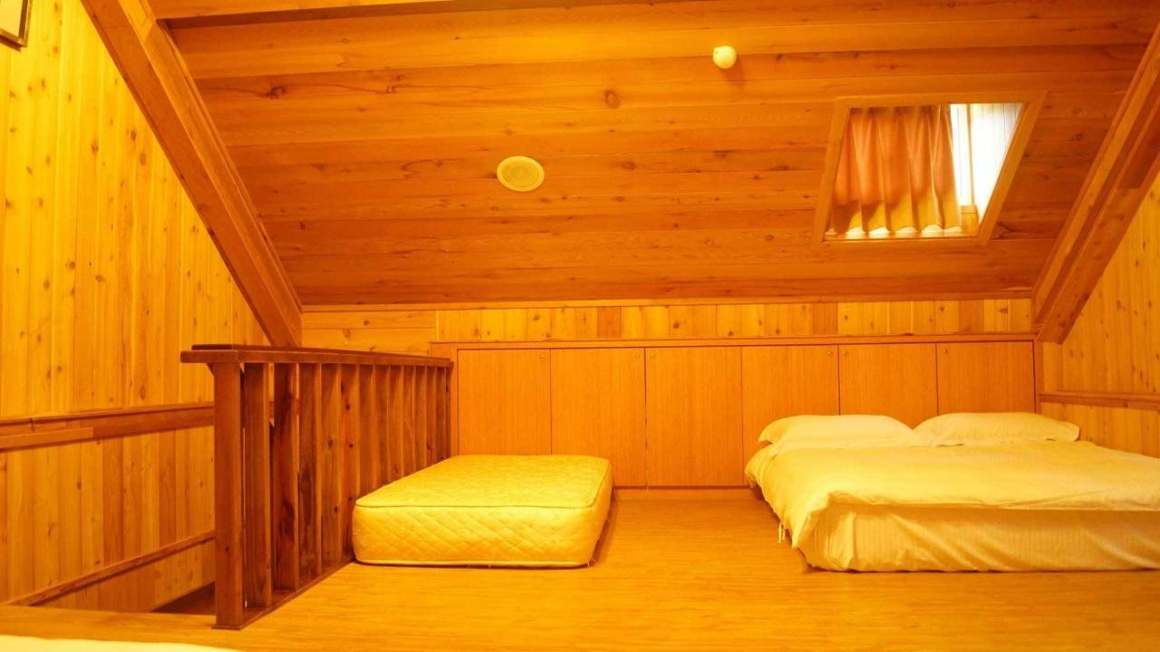 Standard Family Room (6 Adults).jpg
