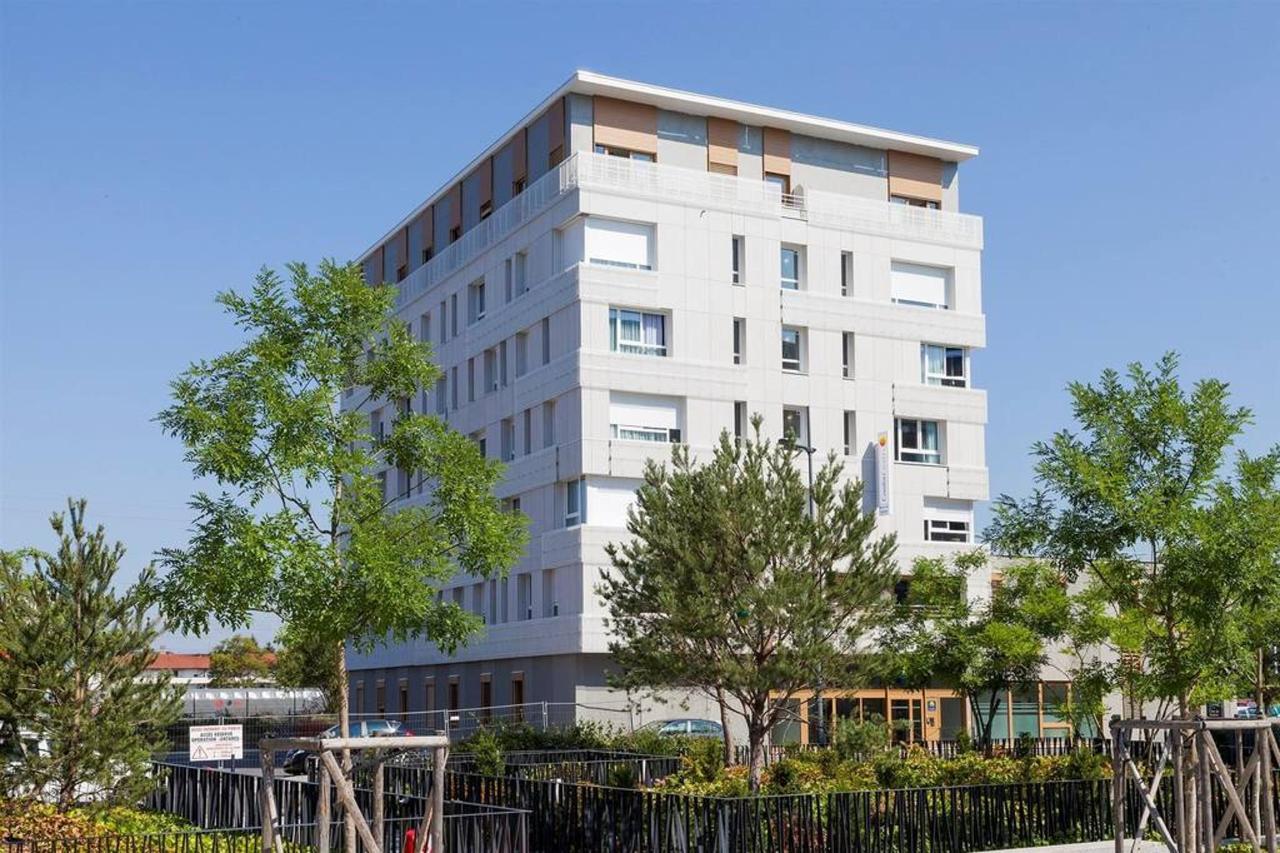 façade-1.jpg.1024x0.jpg