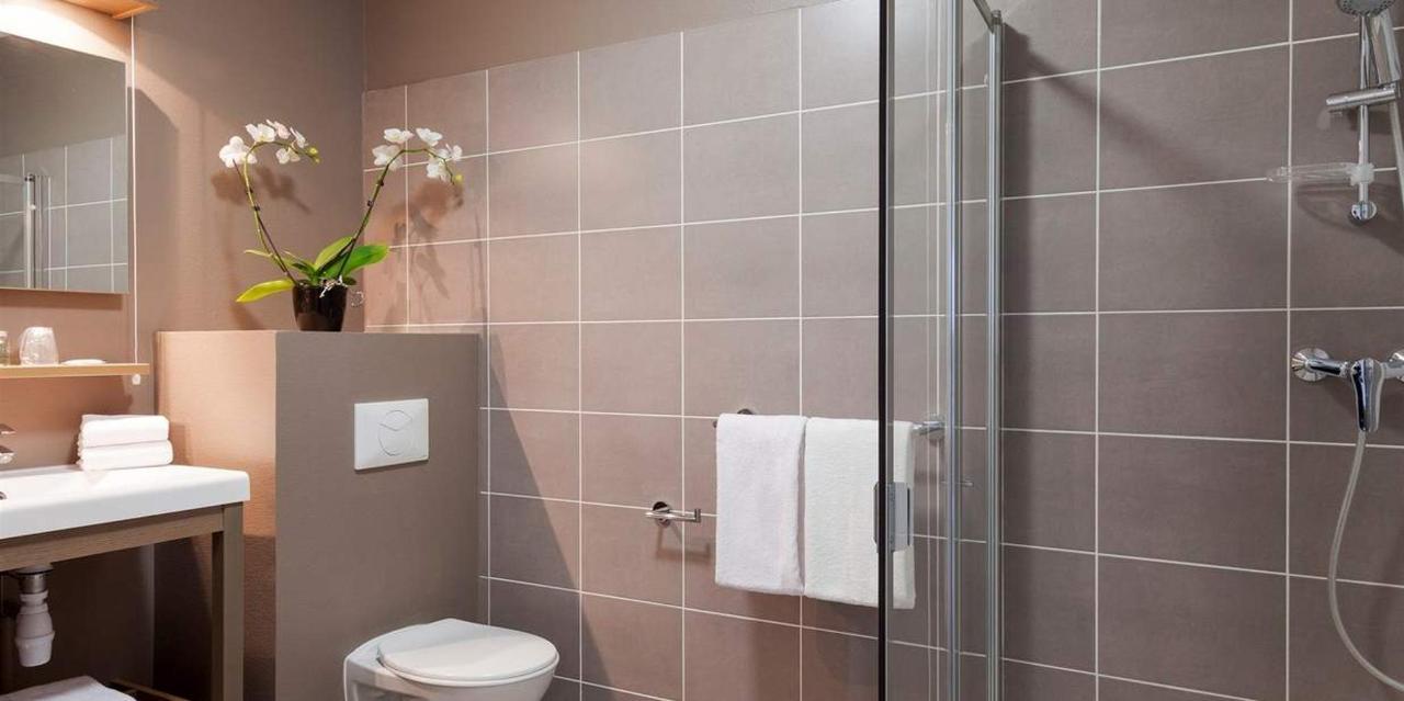 studio-double-salle-de-bain-3.jpg.1236x617_default (1) .jpg