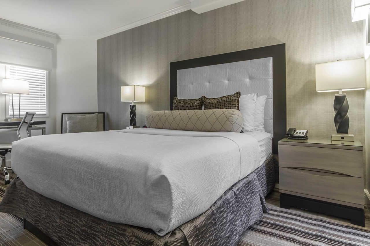 1-queen-bed-6.jpg