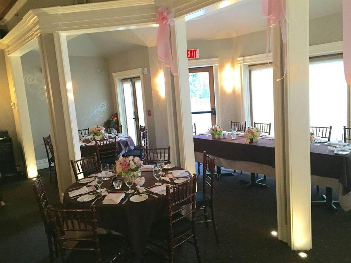 dr-3-bridal-shower-long-table.jpg.1080x0.jpg