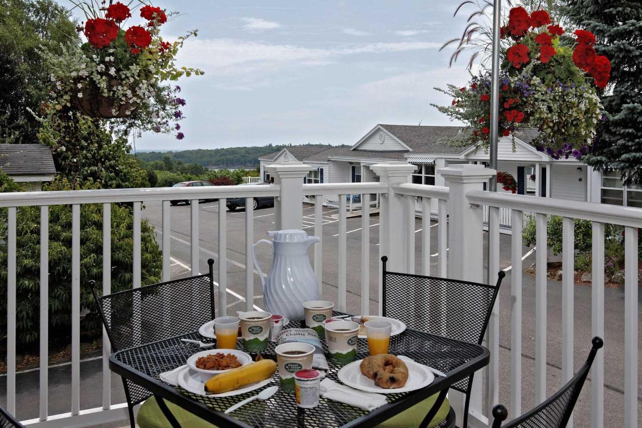 breakfast-view-1.jpg.1920x0.jpg