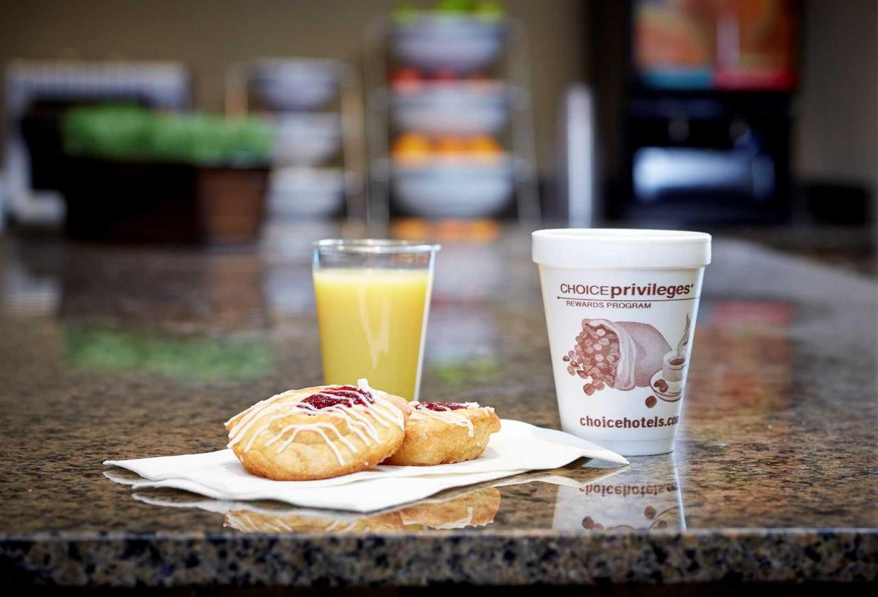 breakfast-bar.jpeg.1920x0.jpeg