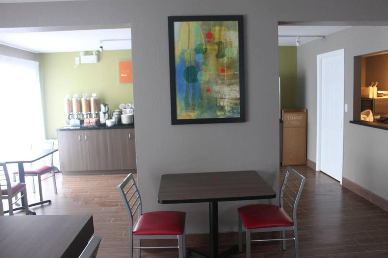 breakfast-room-3.JPG.1024x0.JPG