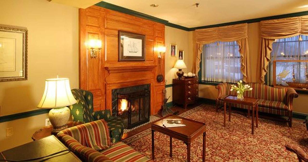 lobby1-1.jpg.1920x0.jpg
