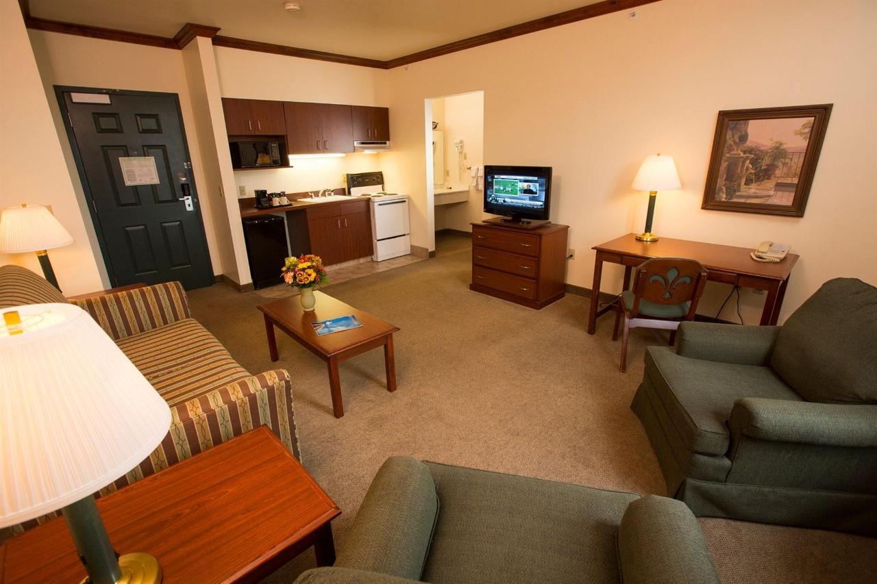 king-executive-suite-1.jpg