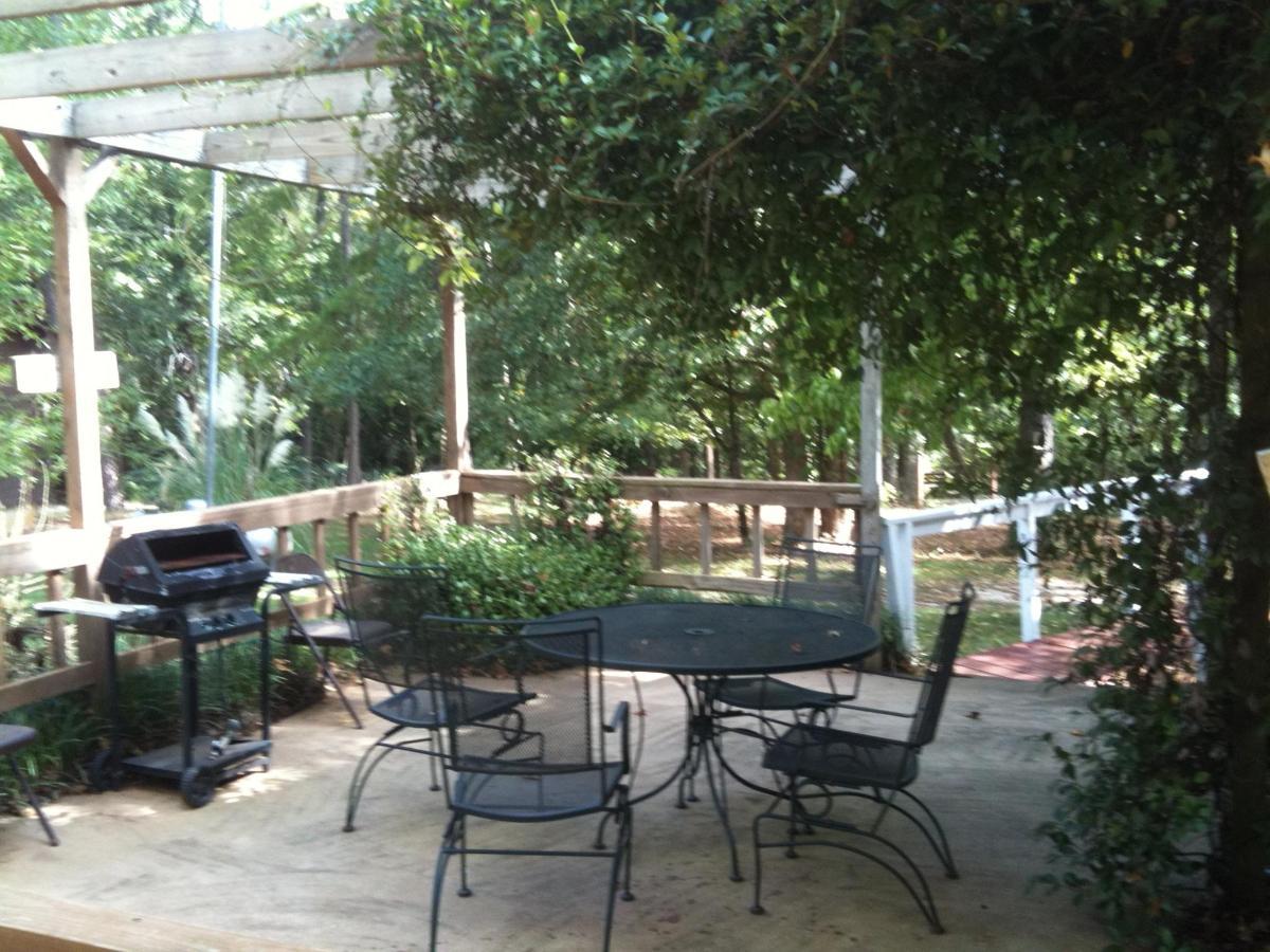 genesis-patio.jpg.1920x0.jpg