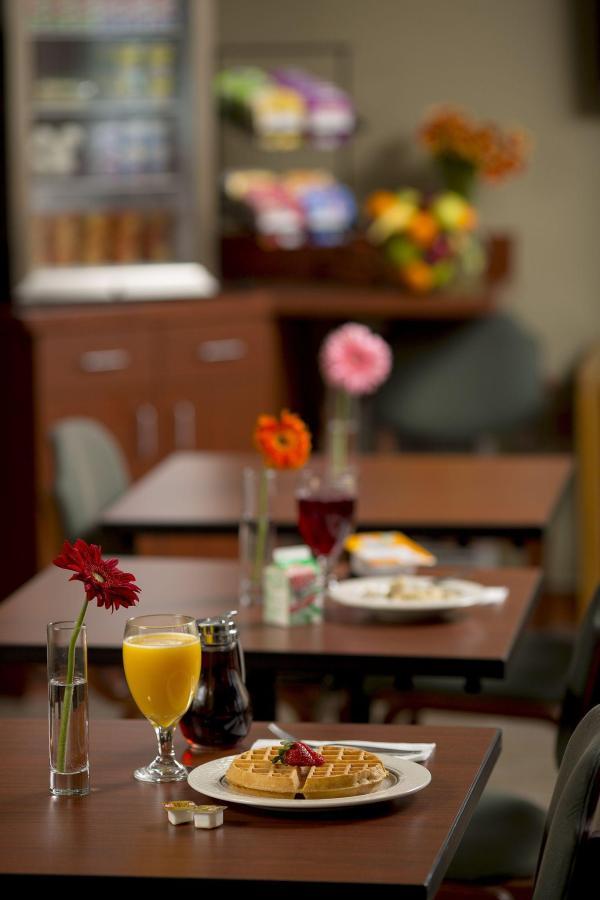 breakfast-room5.jpg