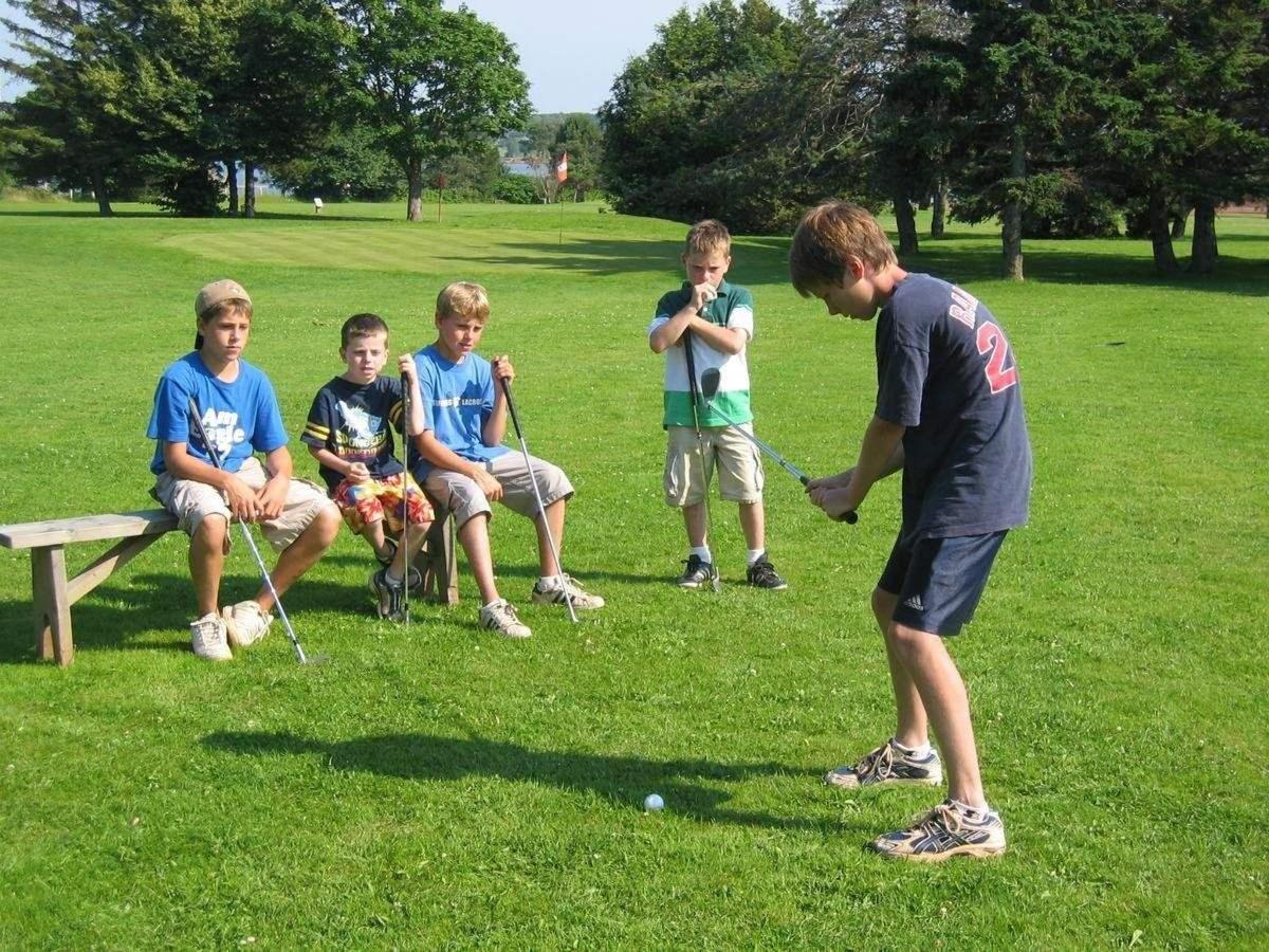 9 Hole Par 3 Golf Course.jpg