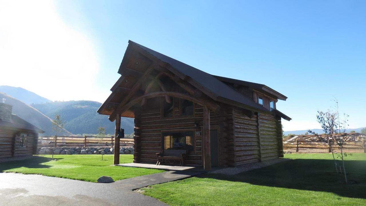 Cabin Exterior.jpg