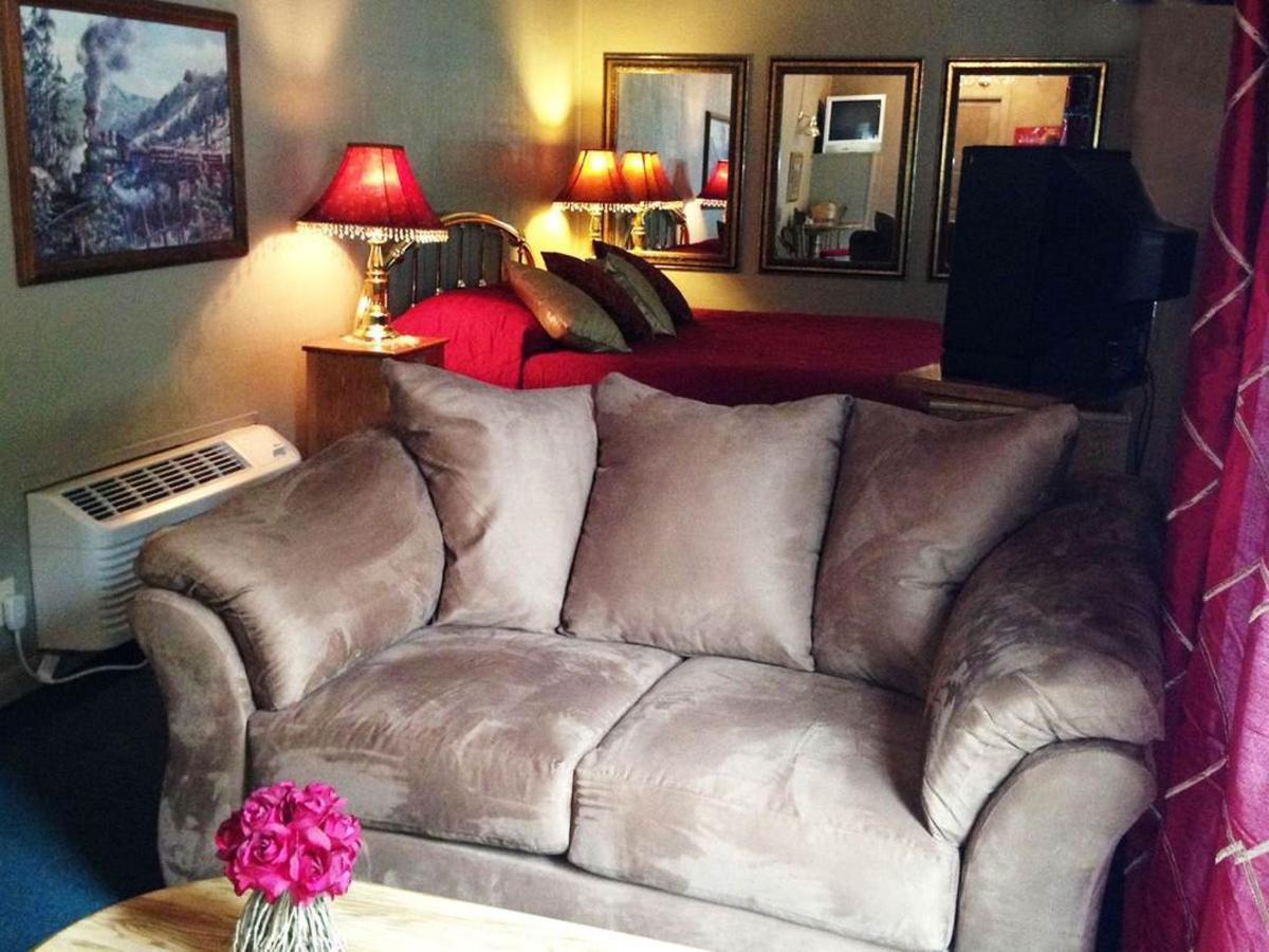 boxcar-bedroom.jpg.1080x0.jpg