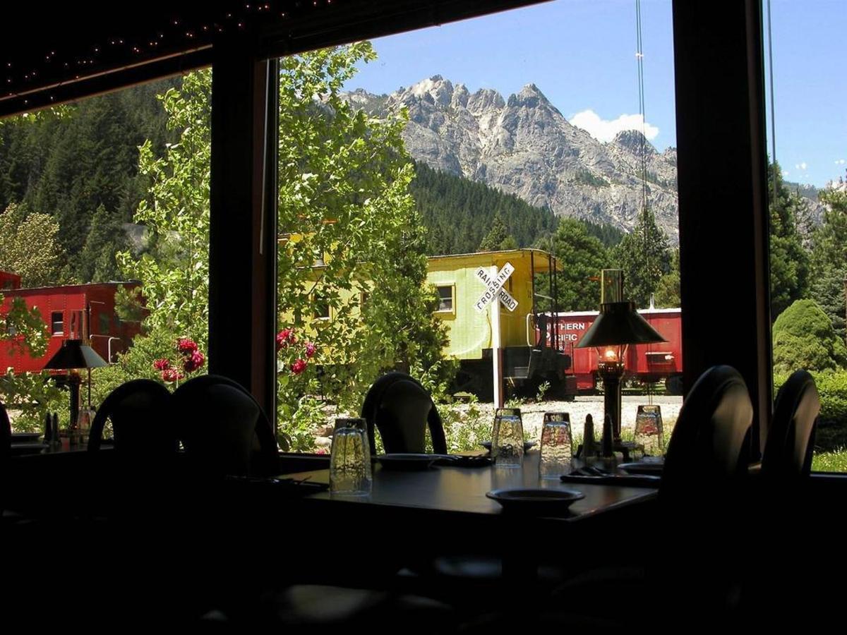 rrp-dinner-house-view.jpg.1080x0.jpg
