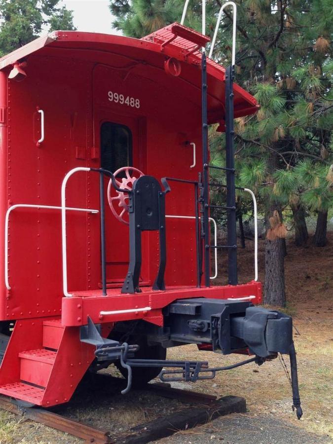 rrp-red-caboose-close-up.jpg.1080x0.jpg