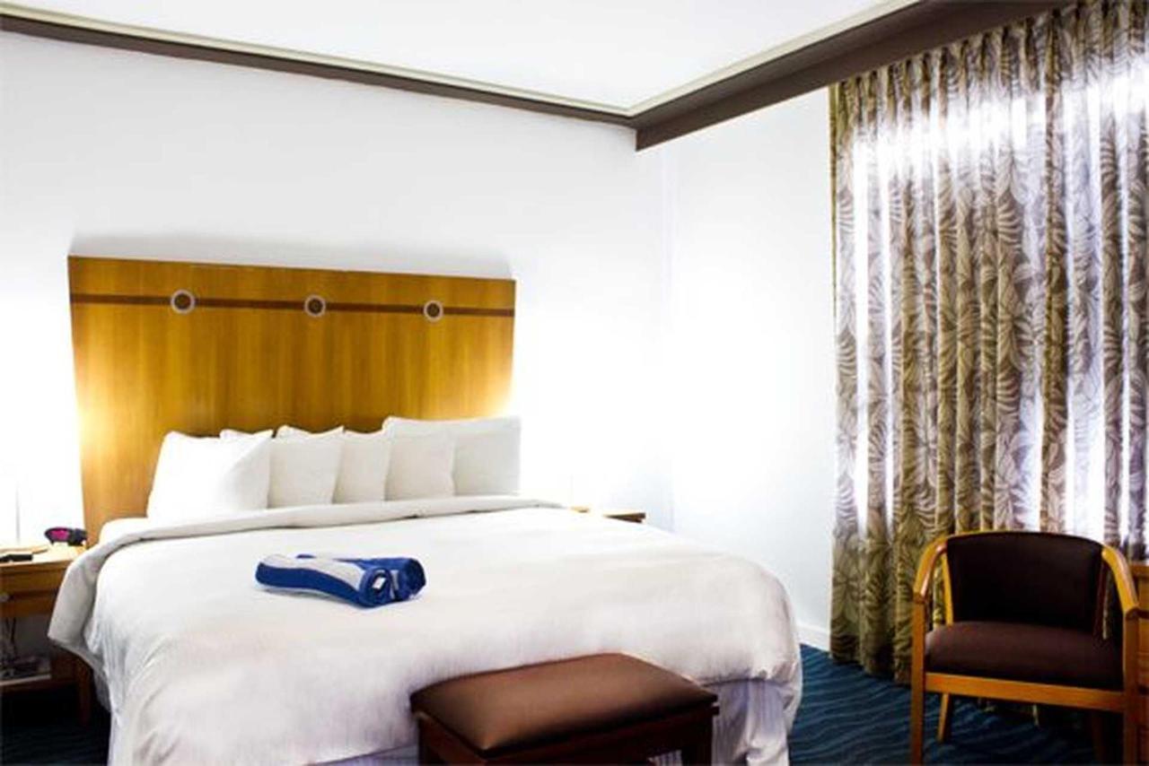 hotel-life.jpg.1920x0.jpg