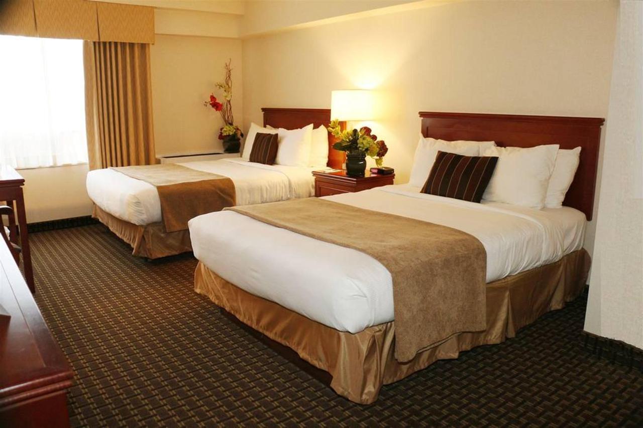 2 Double Beds Harbourviews.JPG