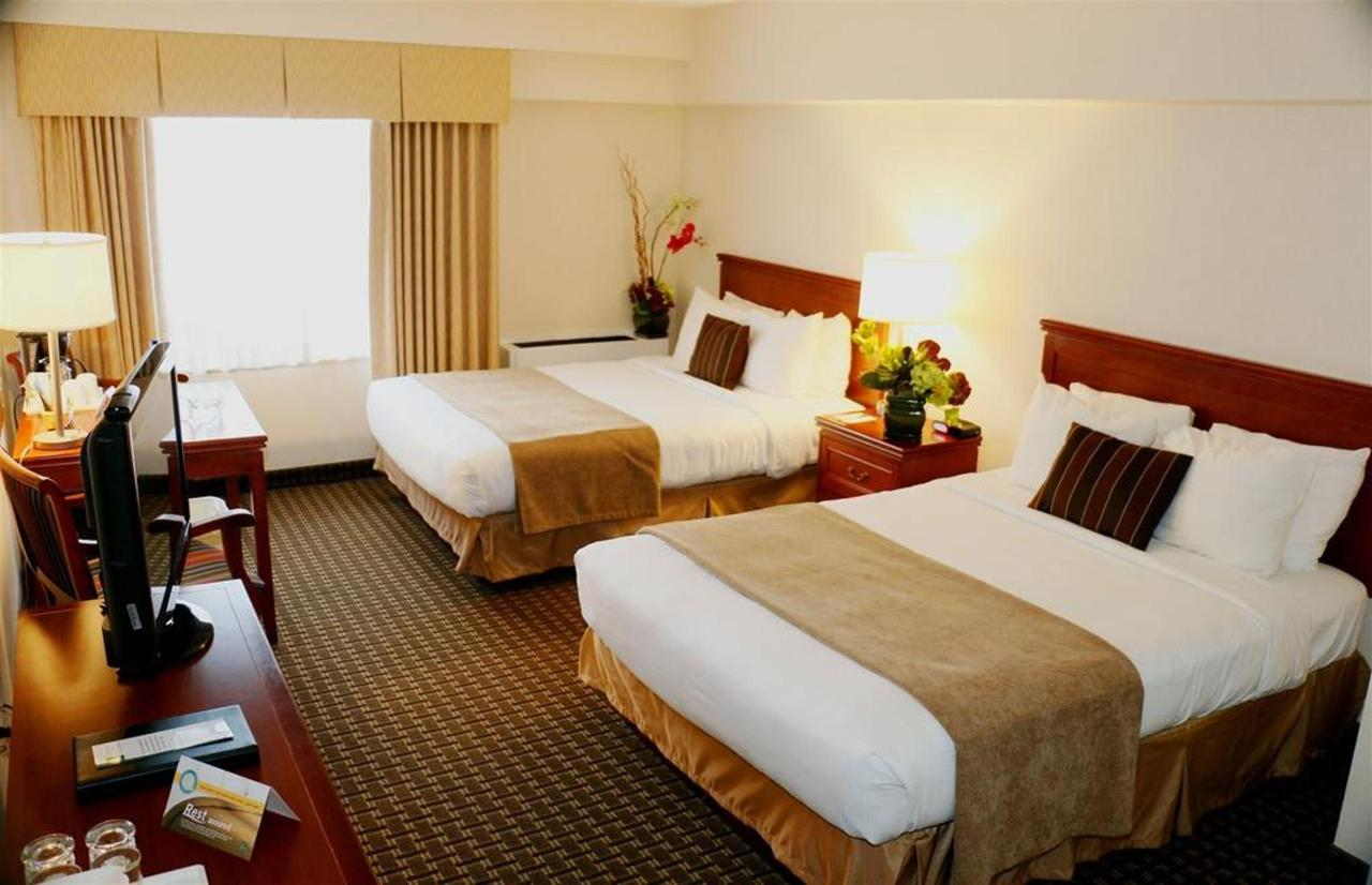 Two Double Beds Harbourview.JPG