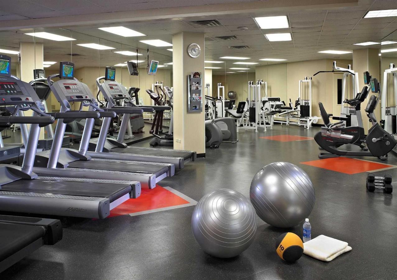 57079645-fitness-center1.jpg.1920x0.jpg