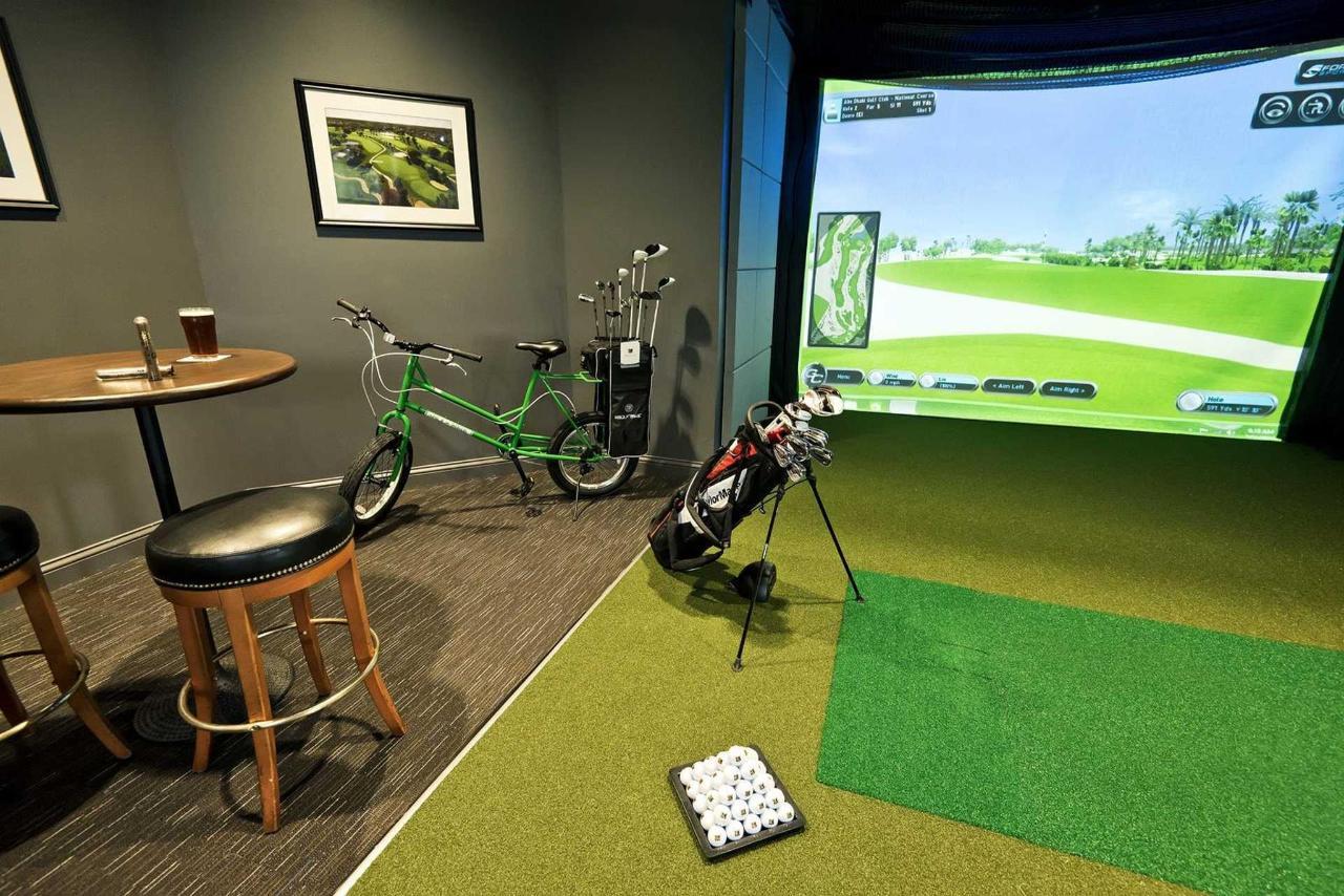 golf-simulator.jpg.1920x0.jpg