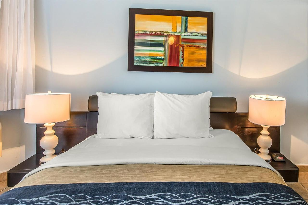 Atlantic rooms,Quality Inn Piedras Negras Hotel, Piedras Negras, Mexico.jpg