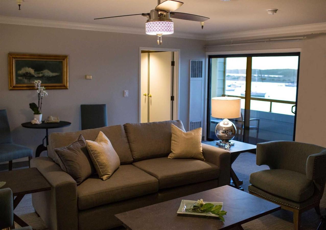 317-livingroom-view.jpg.1920x0.jpg