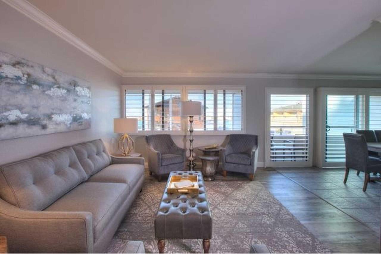 livingroom-2-2.jpg.1920x0 (1).jpg
