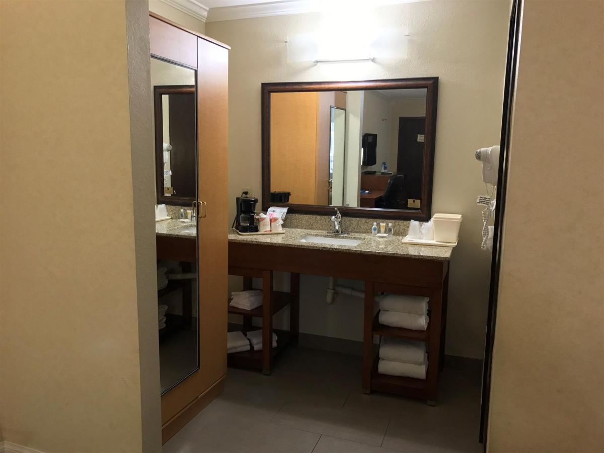 Rooms (27).JPG