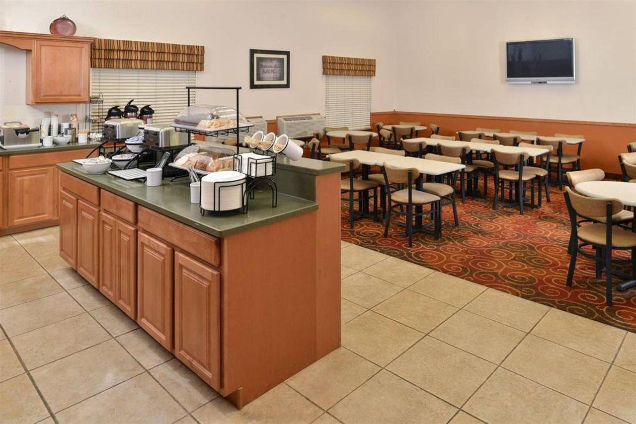 Hot Breakfast Buffet5.jpg